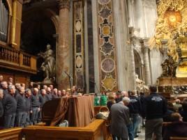 Basilica di S.Pietro, animazione della Messa celebrata dal card. Comastri